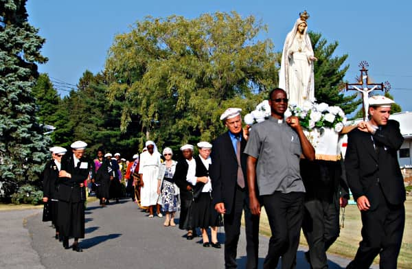 Rosary procession in Rougemont